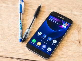 Viel Glas und Metall gibt es auch beim Galaxy S7.