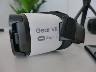Die Gear VR stellt Samsungs Tor zur vituellen Realität dar.