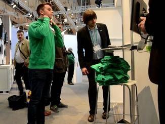 Mein weißes Held musste ich mit einer grünen Jacke verbergen.