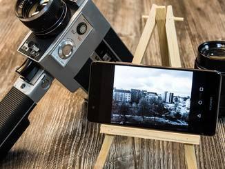 Wer will, fotografiert nur mit dem monochromen Bildsensor.