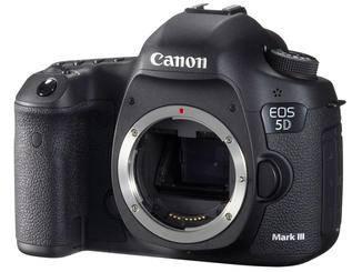 Die Vollformatkamera mit 23 Megapixel ist extrem lichtstark und liefert bei Videos sehr gute Qualität. Eher schwer und groß.