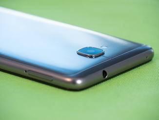 ... dafür aber die Möglichkeit zur Nutzung als Dual-SIM-Handy.