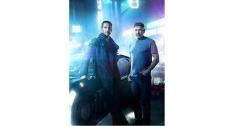 """Rivalen oder Verbündete? Gosling und Ford in """"Blade Runner 2049""""."""