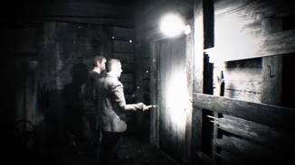 Erst einmal wirst Du aber Teil des Videos und erlebst das Geschehen aus der Perspektive von Kameramann Clancy.