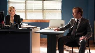 Bob Odenkirk als Jimmy McGill, Rhea Seehorn als Kim Wexler.