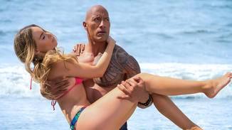 Von Dwayne Johnson lassen sich die Frauen liebend gern retten.