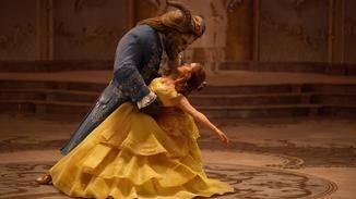 """Die berühmte Tanzszene darf auch in der Realadaption von """"Die Schöne und das Biest"""" nicht fehlen."""