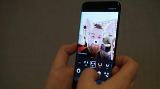 Die Selfie-Cam bietet die üblichen Spielereien, erstmals aber auch einen Autofokus.