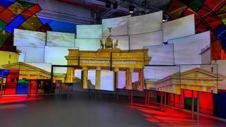 Die lichtstarken Bilder wirkten im Ausstellungsraum bemerkenswert.