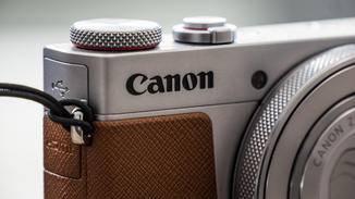 Besonders die silber-braune Variante will mit ihrem Retro-Design punkten.