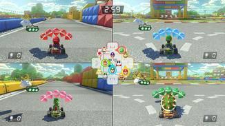 In den Arenen treten die Spieler auch im Split-Screen gegeneinander an. In der Mitte wird eine Übersichtskarte eingeblendet.