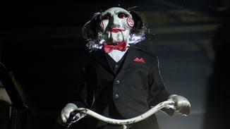 """Creepy: Die Puppe erscheint immer wieder auf Videomaterial in den """"Saw""""-Filmen."""