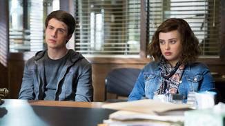 Clay und Hannah beim Beratungslehrer.