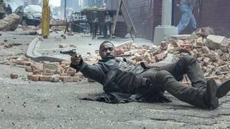 Idris Elba in Action.