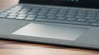 Auch das Touchpad gefällt und macht eine Maus in den meisten Fällen überflüssig.