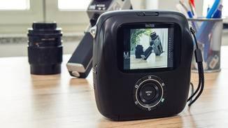 Auf dem großen LCD-Screen können Bilder begutachtet und angepasst werden.
