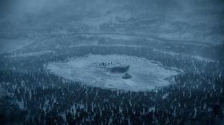 Eingekesselt: Jon Snow und seine Mannen sitzen auf einem See aus Eis fest.