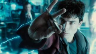 Vor allem die Wortgefechte zwischen Batman und The Flash sind unterhaltsam.