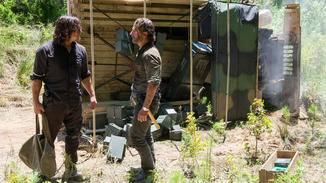 Rick und Daryl sind sich in Sachen Kriegsführung gar nicht einig.