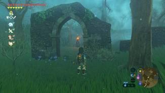 Aber vorher musst Du einem Pfad nachlaufen, der durch Feuerschalen markiert wird.