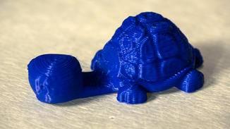 Die gedruckte Schildkröte lässt sich als Smartphone-Ständer verwenden.