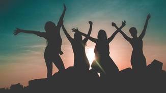 Sende Deinen Freundinnen einen netten WhatsApp-Gruß zum Internationalen Frauentag.