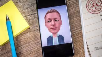 Die AR-Emoji-App hat eine eigene Interpretation vom Aussehen des Nutzers.
