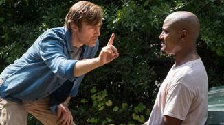 Doktor Carson macht sich Sorgen um Gabriels Sehkraft.