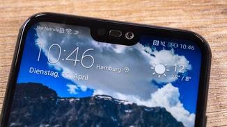 ... und die vom iPhone X bekannte Display-Notch.