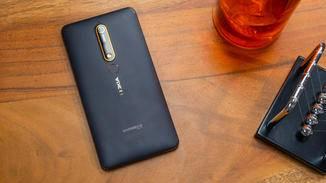 Das Nokia 6.1 in voller Pracht.