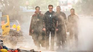 Und Iron Man und Co. stellen sich ihm mit vereinten Kräften entgegen.