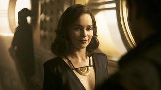 Emilia Clarke als Qi'ra.