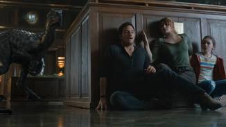 Owen (Chris Pratt, links) und seine Mitstreiter rennen mal wieder um ihr Leben.