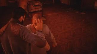 """Mit seiner Vampir-Hypnose bringt Dr. Reid seine Opfer im wahrsten Sinne des Wortes """"um die Ecke"""", um sie dann auszusaugen."""