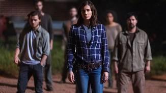 Gegen wen rüstet Maggie sich hier wohl?