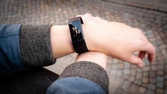 Perfekt für den Alltag: der Fitbit Charge 3.