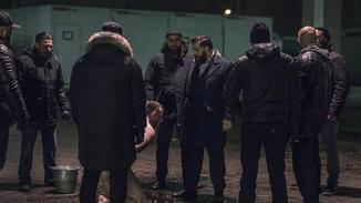 Die Hamady knöpfen sich einen der Tschetschenen vor.