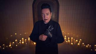 Kathy Bates hütet ein überraschendes Geheimnis in Staffel 8.