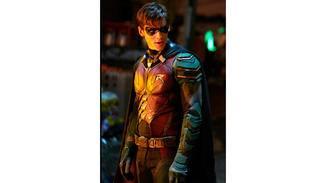 """... und Dick Grayson aka Robin stehen im Zentrum der Handlung von """"Titans""""."""