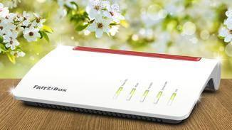 Die Fritzbox 7590 unterstützt Supervectoring mit bis zu 300 Mbit/s und superschnelles Dual-Band-WLAN.