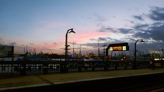 Sonnenuntergang am Hamburger Hafen.