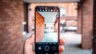 Die Kamera-App ist mit den wichtigsten Einstellungen ausgestattet.