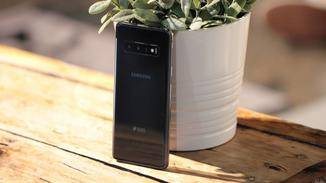 Das Galaxy S10 neben einer 16-MP-Weitwinkel- und einer 12-MP-Tele- auch eine 12-MP-Ultraweitwinkellinse.