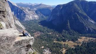 Von Höhe der Yosemite Falls ist mir mein Smartphone (zum Glück nur das Smartphone!) in die Tiefe gestürzt.