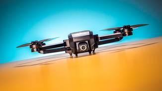 Der Yuneec Mantis Q wirkt vor allem preislich als attraktive Alternative zu DJI-Drohnen.