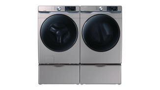... und champagnerfarbene Waschmaschinen und Trockner sollen Küche und Badezimmer verschönern.