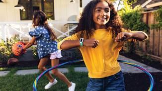 Der Fitbit Ace 2 soll für quasi jeden Spaß zu haben sein.