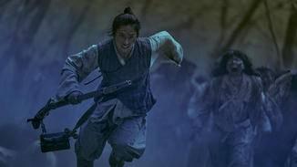 """Wer den Zombies in """"Kingdom"""" entkommen möchte, muss ziemlich gut zu Fuß sein."""