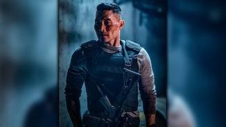 Daniel Dae Kim schlägt sich als Ben Daimio durch das Reboot.