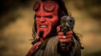 """David Harbour tritt das """"Hellboy""""-Erbe von Ron Perlman an."""